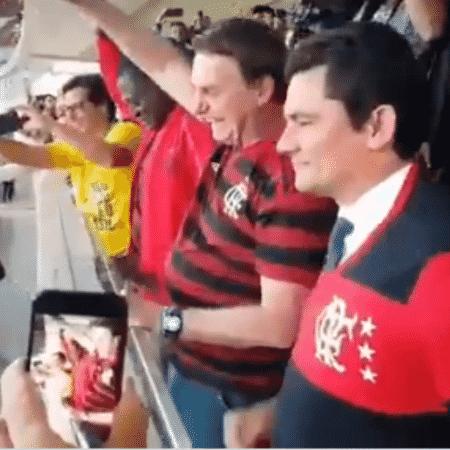 Bolsonaro e Moro assistiram juntos ao jogo entre Flamengo e CSA, em 12 de junho, em Brasília - Reprodução