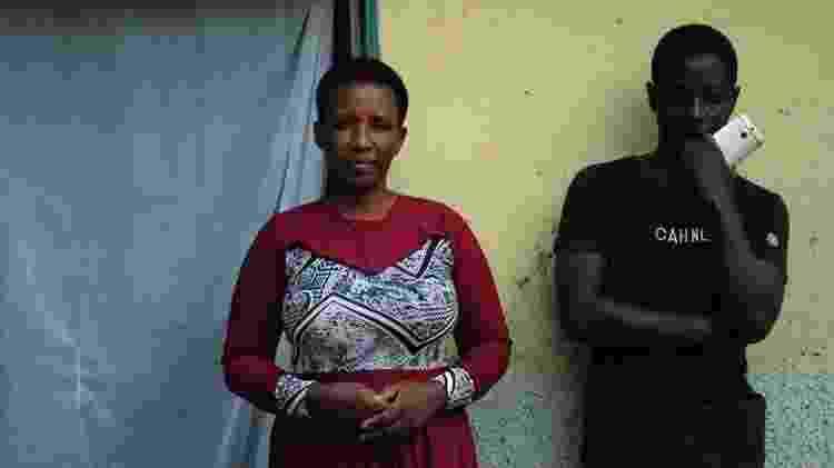 Daniel e sua mãe: ele teve coragem de contar a ela que suas economias desapareceram - BBC - BBC