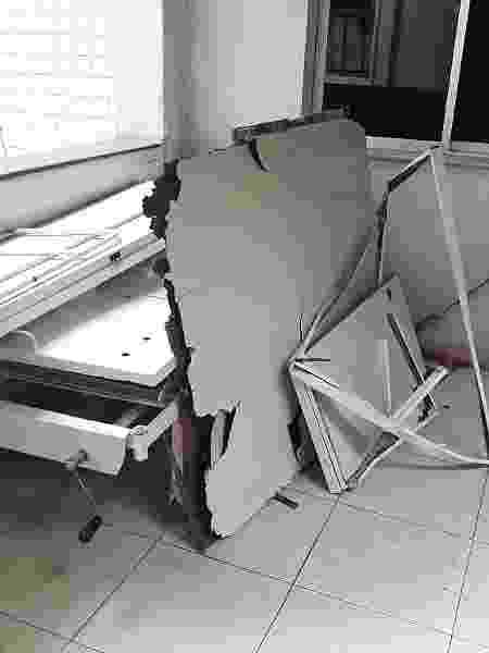 Entulho acumulado em corredor de hospital em Macapá - Divulgação