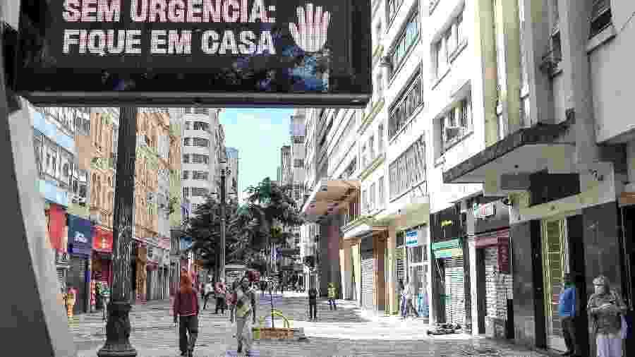 24.mar.2020 - Governo de São Paulo decreta fechamento total de serviços não essenciais - Reinaldo Canato / UOL