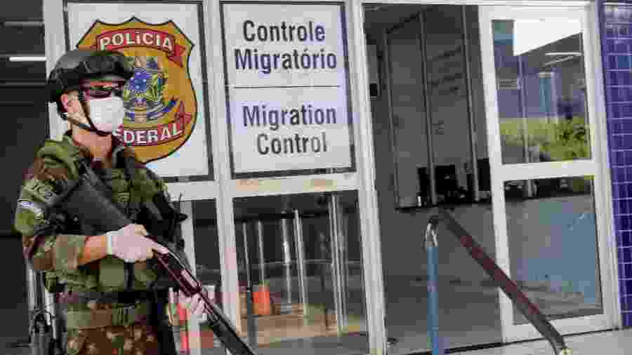 25.mar.2020 - Exército e Guarda Nacional reforçam segurança na Ponte Internacional da Amizade, entre Brasil e Paraguai - CHRISTIAN RIZZI/FOTOARENA/ESTADÃO CONTEÚDO