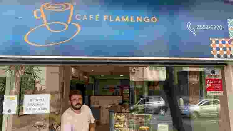 """Dono de café no Flamengo se assusta com desinformação por coronavírus: """"Todo dia uma mentira nova"""" - Caio Blois/UOL"""
