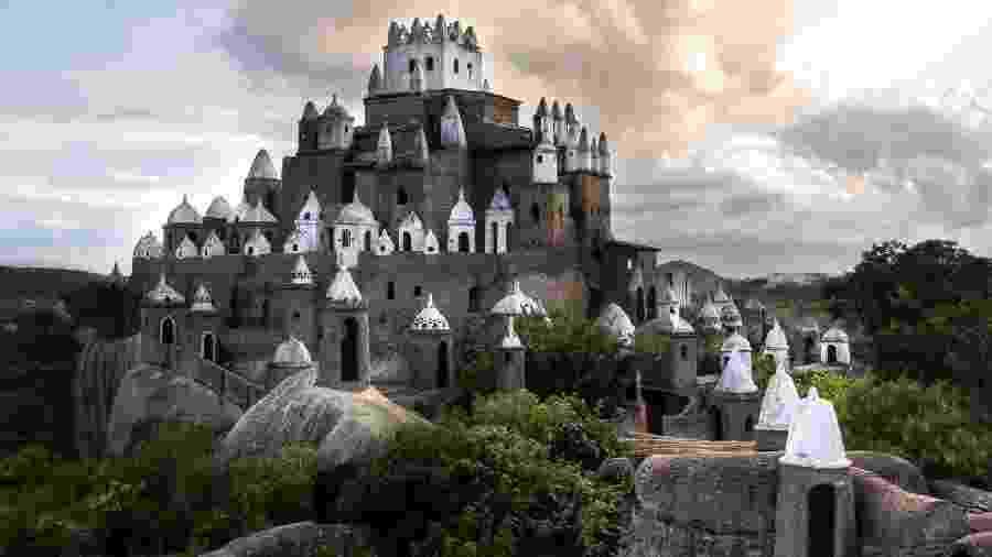 Castelo construído por Zé dos Montes em Sítio Novo (RN) - Zanone Fraissat/Folhapress