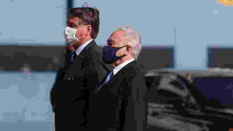 Jair Bolsonaro e Michel Temer participam de evento com comitiva brasileira que viajou ao Líbano após explosão em Beirute - Henrique Barreto/Futura Press/Estadão Conteúdo