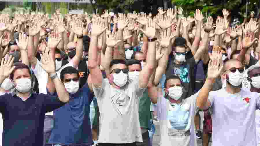 Trabalhadores da Ford protestam em Taubaté após anúncio de fechamento da fábrica - Rogério Marques/Futura Press/Estadão Conteúdo