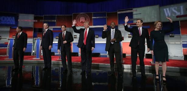 Pré-candidatos republicanos à presidência dos Estados Unidos realizam debate em Milwaukee, Wisconsin