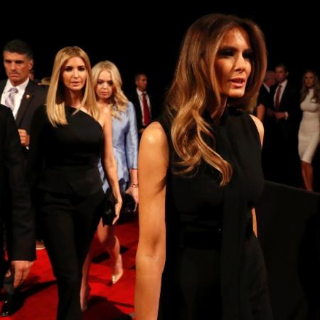 Ivanka e Melania Trump (à dir.) antes de um debate presidencial - Carlos Barria/Reuters
