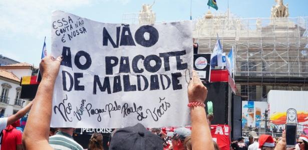 Servidores do Rio têm protestado contra medidas para conter o rombo nas contas