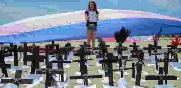 144 cruzes fincadas na Praia de Copacabana lembraram as vítimas de transfobia em 2016 - Tomaz Silva/Agência Brasil
