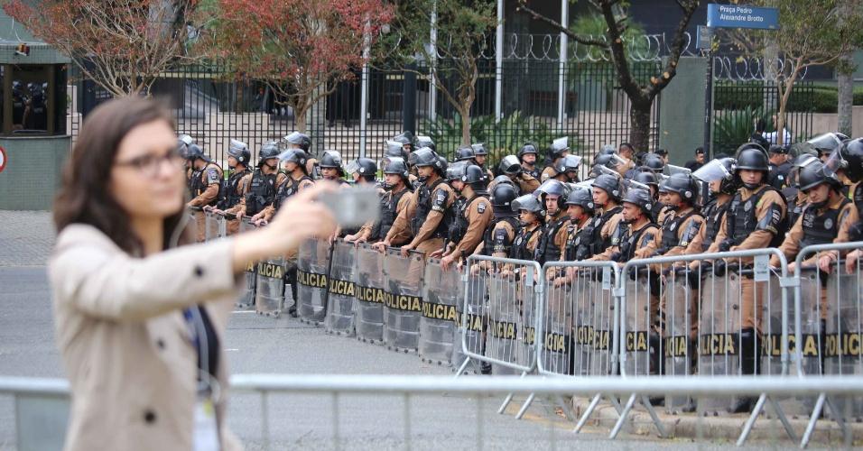 Forte esquema de seguranca e montado em volta do predio da Justica Federal, em Curitiba, no dia do depoimento do ex-presidente Luiz Inacio Lula da Silva ao juiz Sergio Moro