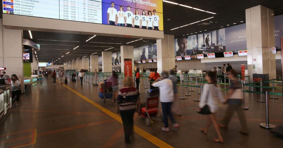 26.mai.2016 - Movimentação tranquila no Aeroporto Internacional de Brasília Juscelino Kubitschek, na capital federal, no sexto dia da greve dos caminhoneiros. Ao todo, 40 voos foram cancelados