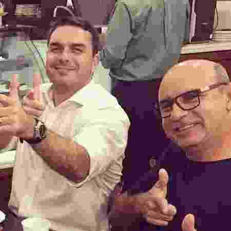 Flávio Bolsonaro e seu ex-assessor Fabrício Queiroz - Reprodução