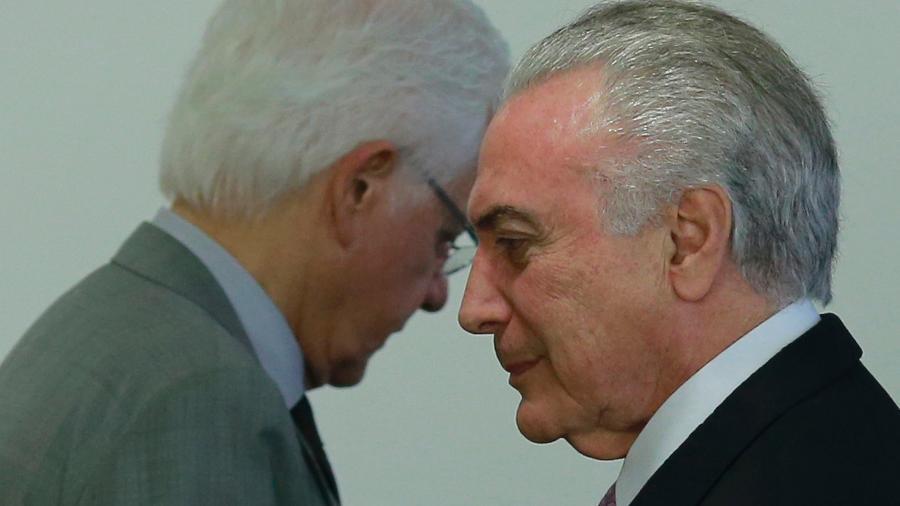 10.abril.2017 - Michel Temer, então presidente da República, com o ex-ministro Moreira Franco - DIDA SAMPAIO/ESTADÃO CONTEÚDO