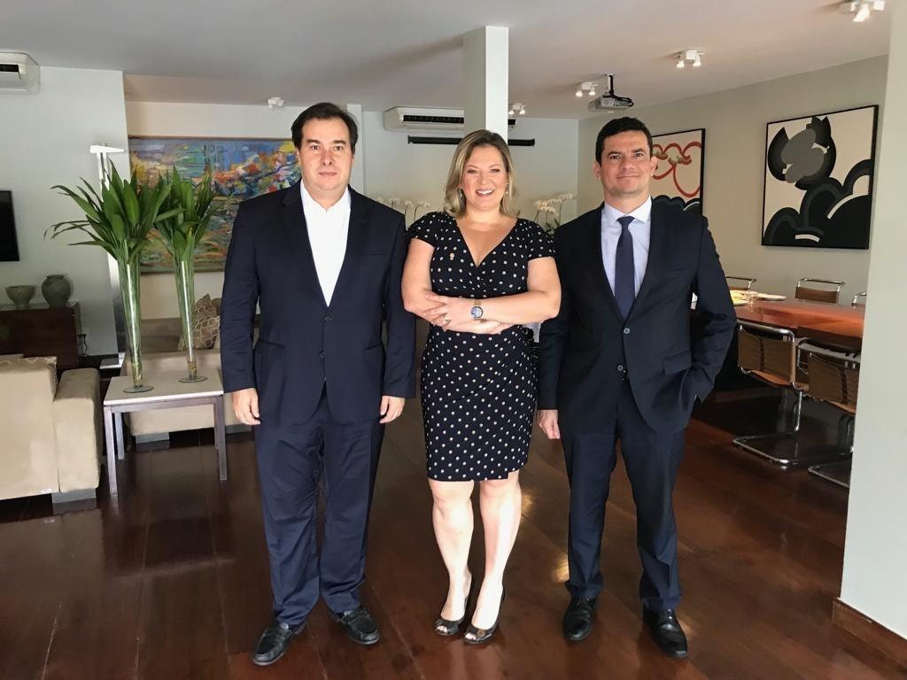 Rompimento com Bolsonaro abre portas do DEM para Joice na ...