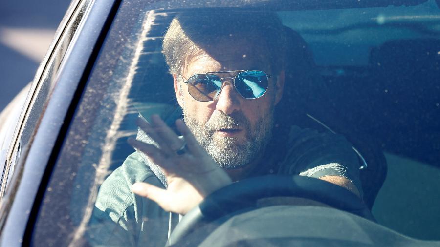 Jogadores e técnicos, como Jurgen Klopp, precisarão se deslocar para amistosos em carros particulares - Phil Noble