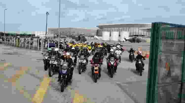 Bolsonaro em passeio de moto - Reprodução/Facebook - Reprodução/Facebook