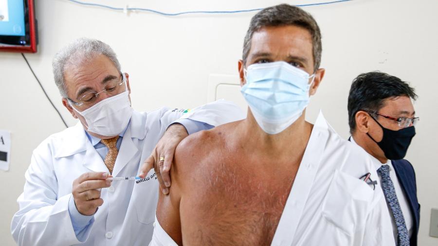 Queiroga vacina Roberto Campos Neto, presidente do Banco Central - Walterson Rosa/Ministério da Saude