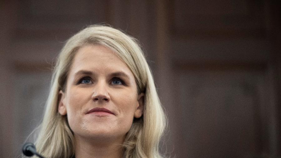 Frances Haugen, durante depoimento ao Congresso dos EUA, em outubro de 2021 - Drew Angerer/Reuters