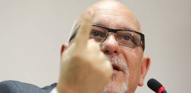 O então presidente da Caixa Econômica Federal, Jorge Hereda, durante coletiva em 2013