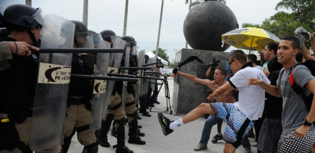 A segurança é o principal tema que preocupa o país sede da Copa para o Mundial de 2014