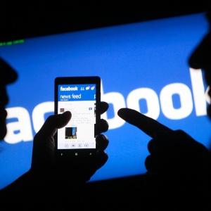 Facebook recolhe dados de usuários