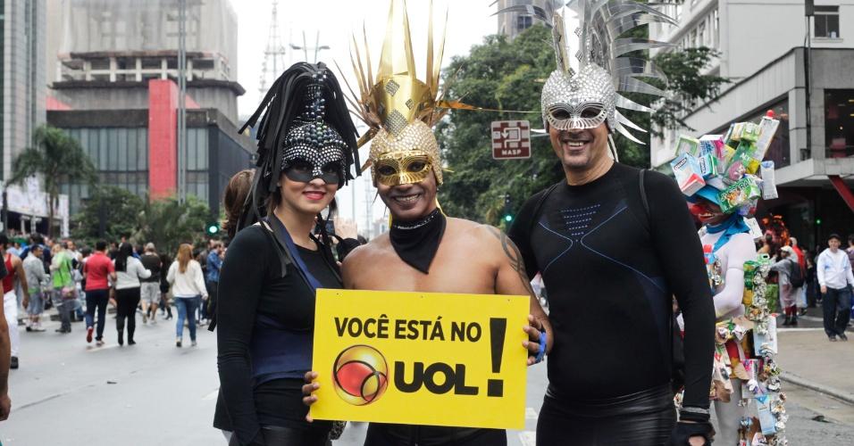 2.jun.2013 - A esteticista Beatriz Lessa, 20, o funcionário público Flavio Paim, 44, e Carlos Souza, 34, dizer ser