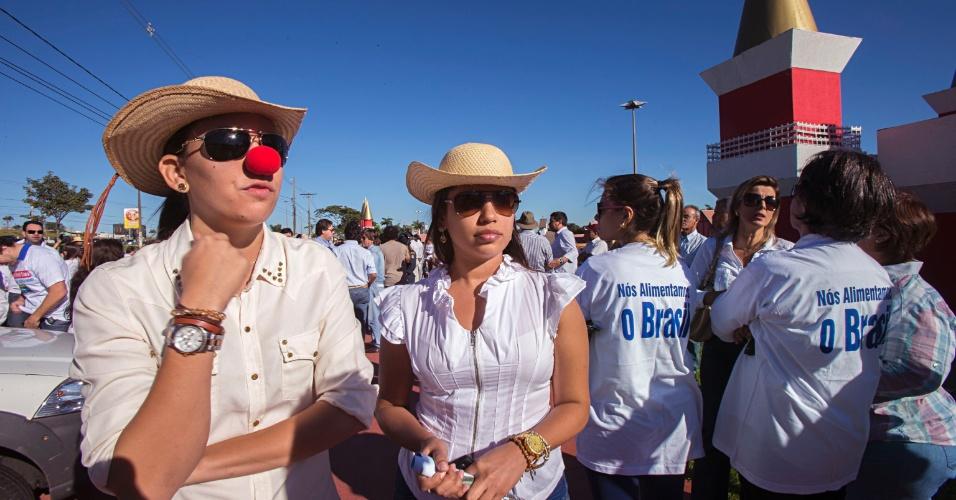 7.jun.2013 - Fazendeiros do Estado do Mato Grosso do Sul fazem carreata em protesto contra a retomada de terras pelos índios terena, que reivindicam cerca de 17 mil hectares na região de Sidrolândia (MS)