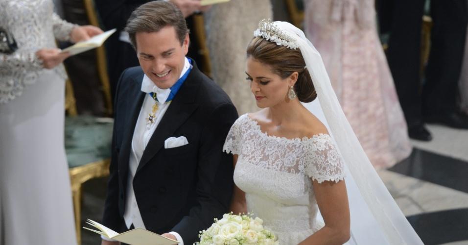 8.jun.2013 - A princesa Madeleine, filha mais nova do rei da Suécia, e o financista norte-americano Christopher O'Neill casaram-se neste sábado (8)