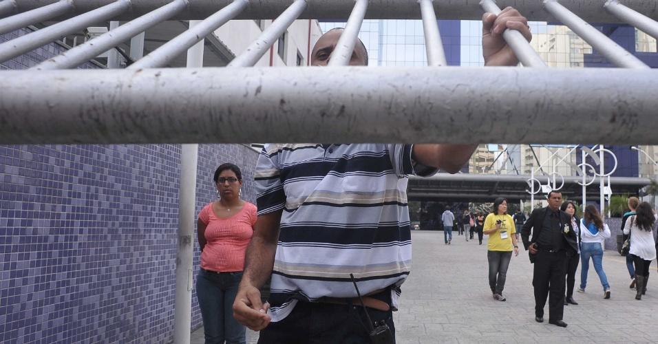 SAO PAULO - SP - BRASIL - 09.06.2013 -EDUCACAO - vestibular da FGV na Rua Vergueiro 249 centro da cidade.