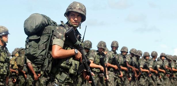 É do Exército a responsabilidade para conceder o chamado certificado de registro de arma de fogo a categorias como colecionadores, atiradores esportivos e caçadores