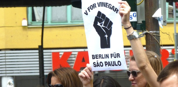 Manifestantes invadem Congresso Nacional, em Brasília; 2 são detidos, diz PM