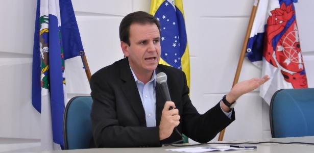 O prefeito do Rio de Janeiro, Eduardo Paes (PMDB), anunciou a redução do valor das passagens de ônibus, metrô, trens e barcas na capital fluminense - ERBS Jr./Frame