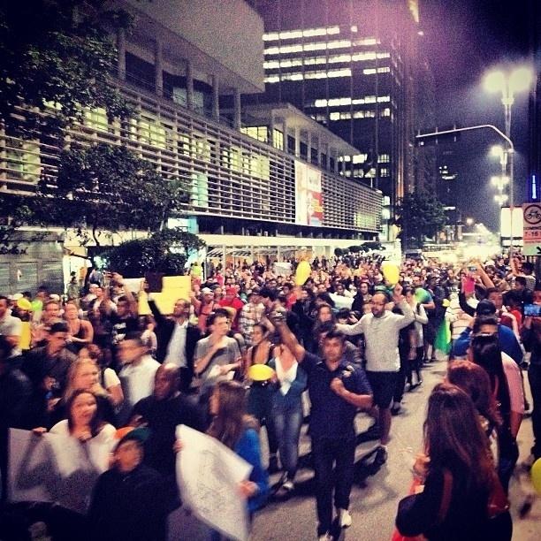 20.jun.2013 - Marcos (@mpdrumond) descreveu sua foto do protesto em São Paulo como
