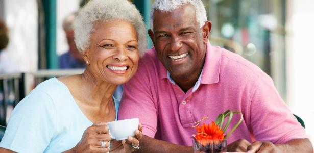 Expectativa de vida de homens, no mundo, é de 69,1 anos, ao passo que as mulheres vivem, em média, 73,8 anos