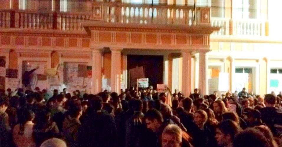 20.jun.2013 - A internauta Carol Santos contou que mais de 5 mil pessoas protestaram, em Rio Grande (RS), contra a empresa de ônibus Noiva do Mar que, segundo ela, monopoliza o transporte publico rio-grandino