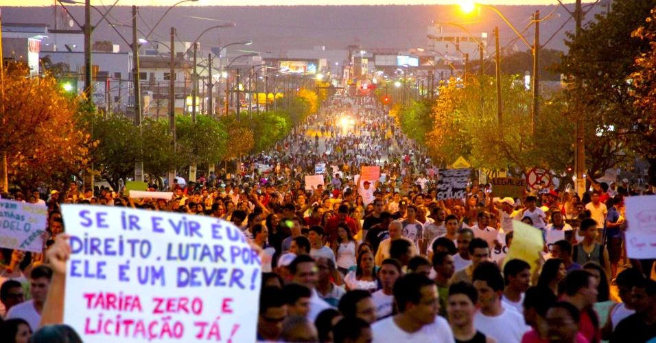 20.jun.2013 - O internauta Carlos Oliver registrou a manifestação na cidade baiana de Barreiras