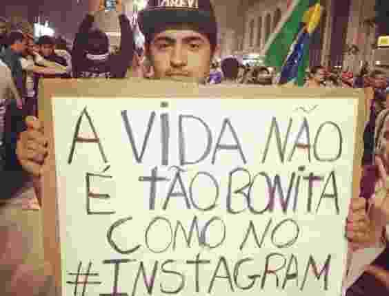 """20.jun.2013 - O internauta Eduardo Arcanjo divulgou no Instagram foto da manifestação realizada em São Paulo nesta quinta-feira (20). """"As manifestações de hoje me envergonharam profundamente"""", escreveu na rede social - Reprodução/Instagram"""