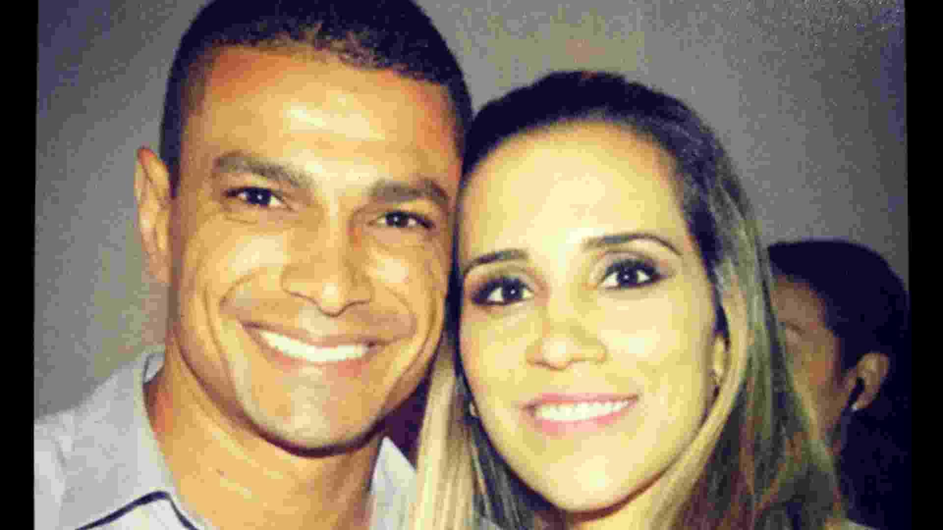 O jogador de futebol Fabiano ao lado da mulher, Vanessa Luxemburgo - Divulgação/Arquivo Pessoal