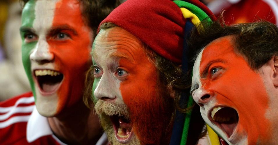 22.jan.2013 - Britânicos e irlandeses torcedores do time de rugby Lionsgritam durante jogo contra a Austrália no Suncorp Stadium, em Brisbane, na Austrália
