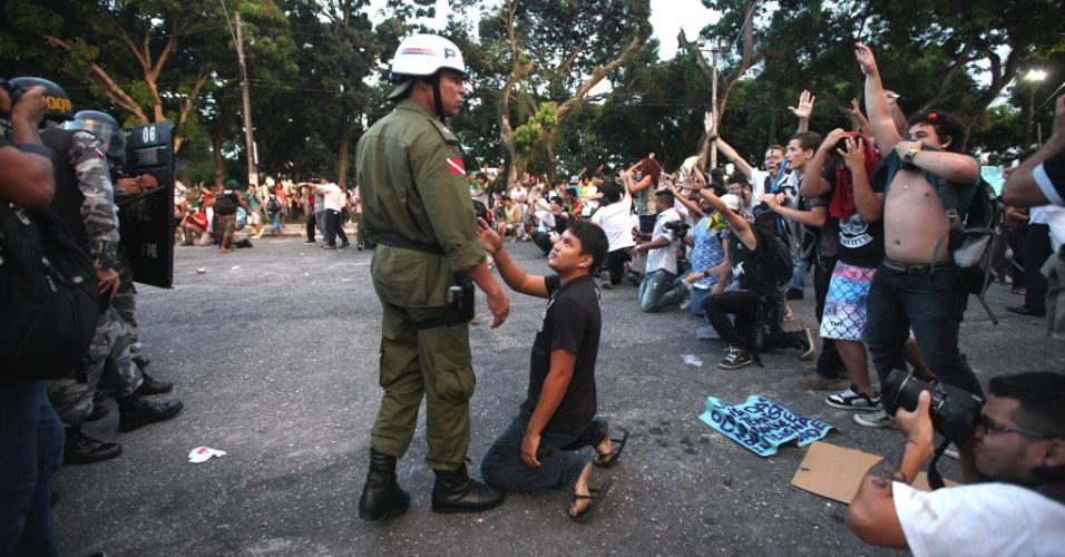 O internauta Carlos Sodré registrou imagens do protesto em Belém (PA), onde houve enfrentamento entre policiais e manifestantes