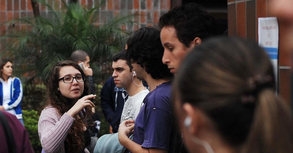 Candidatos fazem vestibular 2013 de inverno das Fatecs