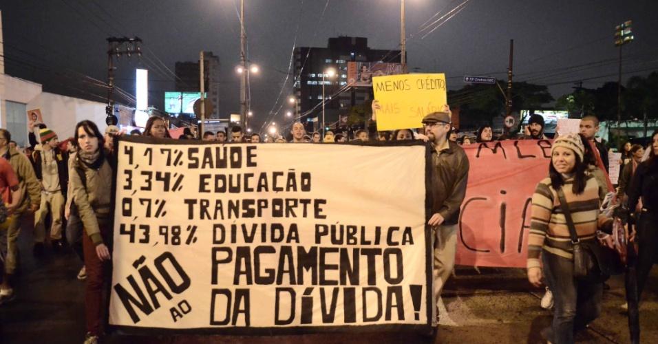 1º.jul.2013 - Protesto convocado pelo MPL (Movimento Passe Livre) em São Bernardo do Campo, no ABC Paulista, reivindicou a redução das tarifas do transporte público. Houve confronto entre manifestantes e policiais