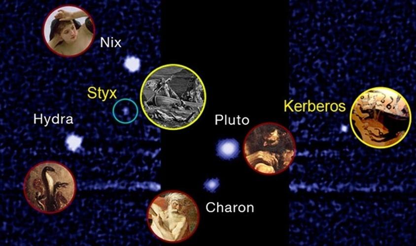 """2.jul.2013- Duas luas de Plutão foram nomeadas após uma enquete, mas o nome vencedor não foi usado. Isso porquê logo que soube do concurso para a escolha do nome da lua, o ator William Shatner, que interpretou o capitão Kirk de Star Trek, fez campanha pelo nome """"Vulcano"""", que seria o planeta de Mr. Spock. O nome foi o mais votado, mas os astrônomos não o escolheram porque ele não tem ligação com a mitologia, como os nomes das outras três luas do planeta. Assim, as luas se chamarão Kerberos e Styx"""