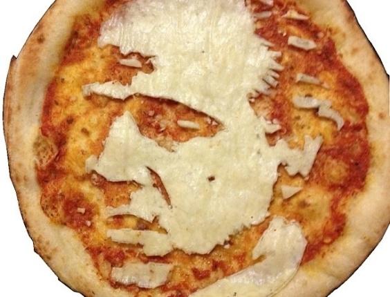 3.jul.2013 - Pizza com imagem do ator Marlon Brando feita por Domenico Crolla, em Glasgow, Escócia