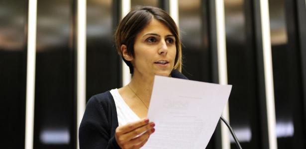 A deputada federal Manuela Dávila (PCdoB-RS) discursa na tribuna da Câmara dos Deputados nesta terça-feira (9) - Gustavo Lima/Câmara dos Deputados