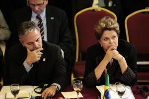 O ministro das Relações Exteriores, Antonio Patriota, e a presidente Dilma Rousseff participam de cúpula do Mercosul no Uruguai na última sexta-feira
