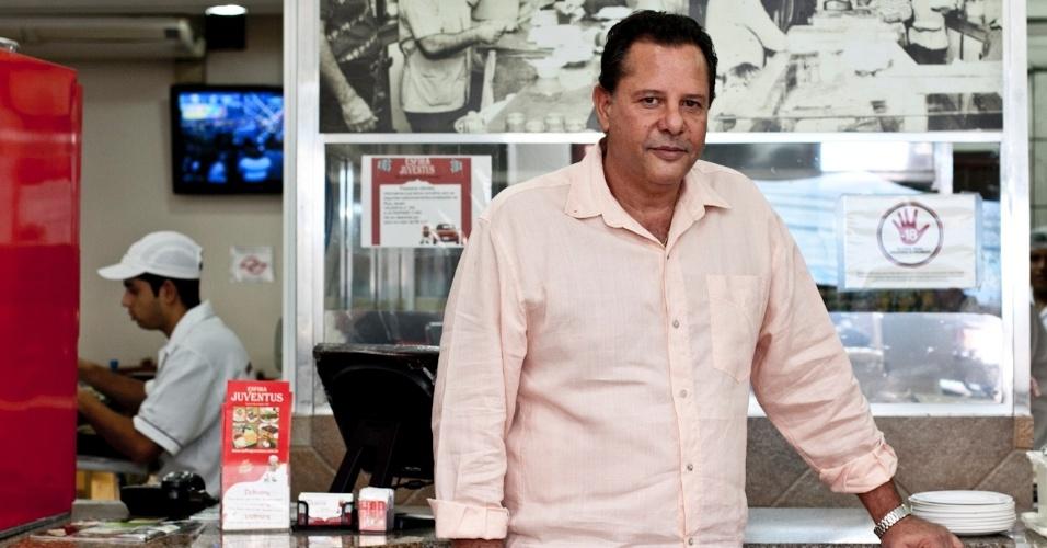 Pratos árabes do restaurante Esfiha Juventus, na Mooca (SP)