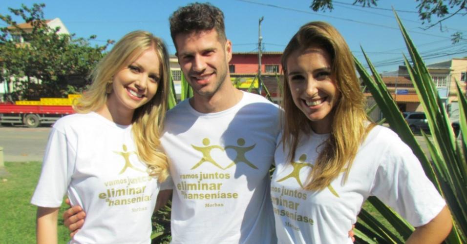Sancler Frantz, Reinaldo Dalcin e Mariana Notarangelo durante ação social para combate a hanseníase no Rio de Janeiro