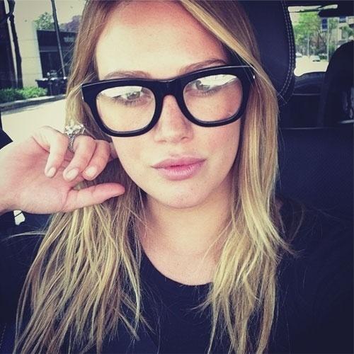 selfie autorretrato no instagram A cantor Hilary Duff (@hilaryduff)