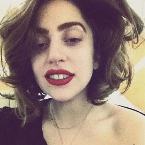 selfie autorretrato no instagram A cantora Lady Gaga (@ladygaga)